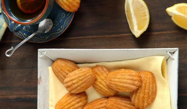 Мадленки с дъх на лимон