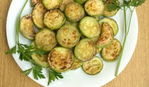 Печени тиквички със сос