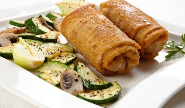 Пържени палачинки със зеленчукова плънка
