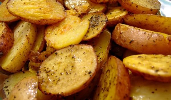 Картофи с горчица и подправки