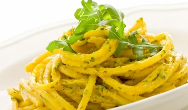 Спагети с чесън и зехтин