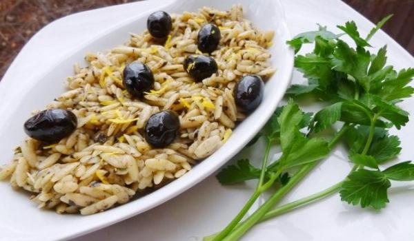 Орзо с маслини