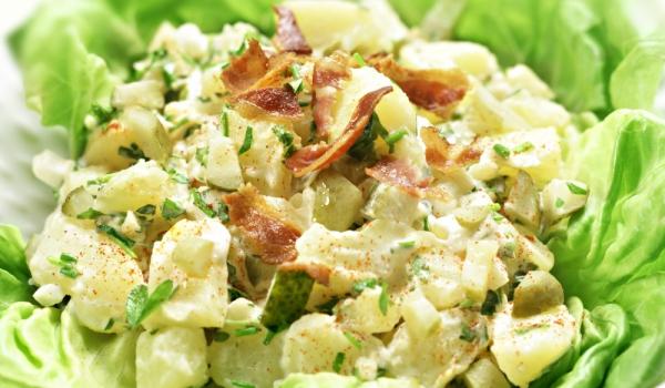 Лесна картофена салата с бекон
