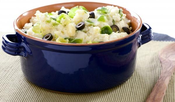 Картофена салата с шунка и маслини