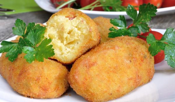 Картофени крокети с индийско орехче