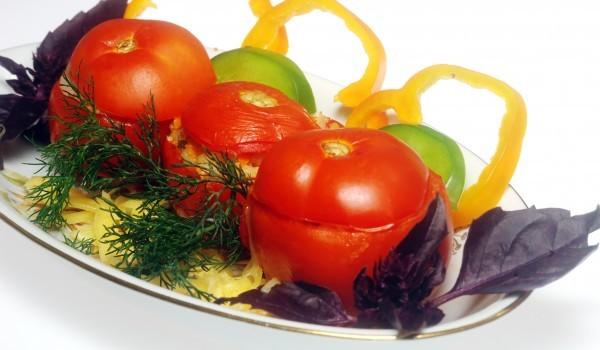 Пълнени домати с макарони