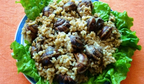 Охлюви с ориз и чесън