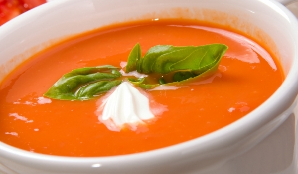 Лека доматена супичка