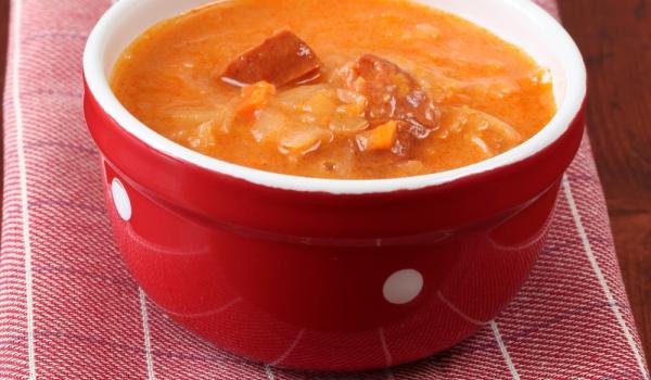 Супа от наденички с кисело зеле