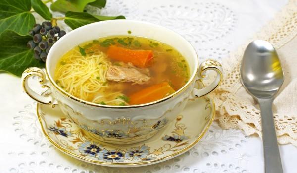 Бирена супа със свинско и фиде