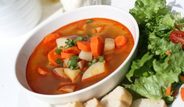 Супа от моркови грах и картофи