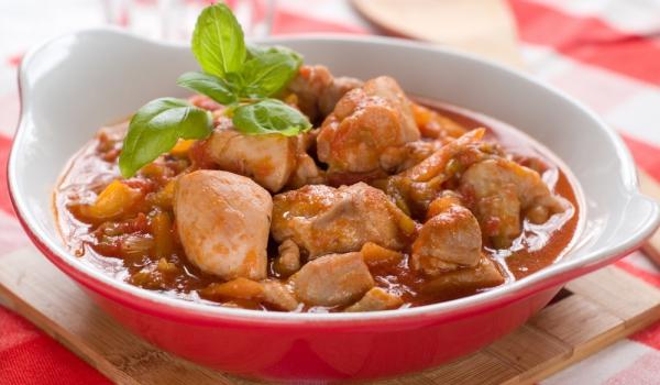 Пиле в ароматичен сос