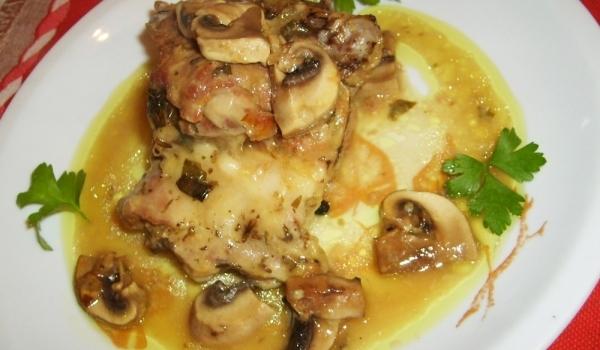 Агнешко месо с гъби и подправки