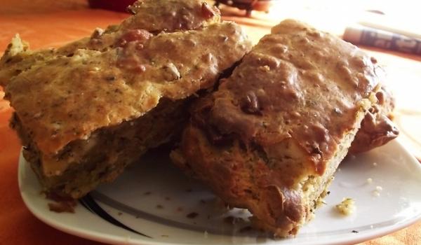 Солен кекс с колбас и сирене