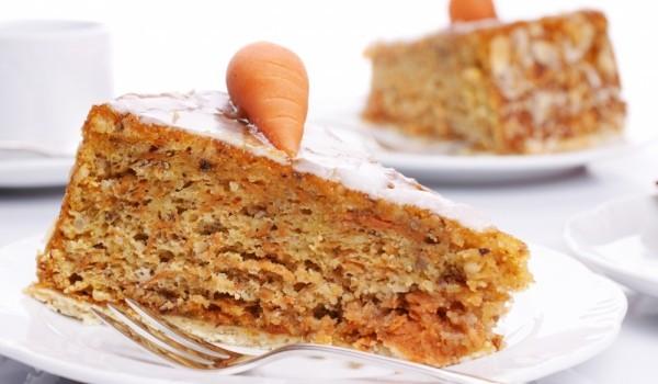 Сладкиш с моркови и кафява захар