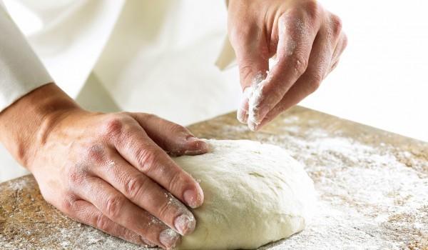 Тесто за дебела и пухкава пица