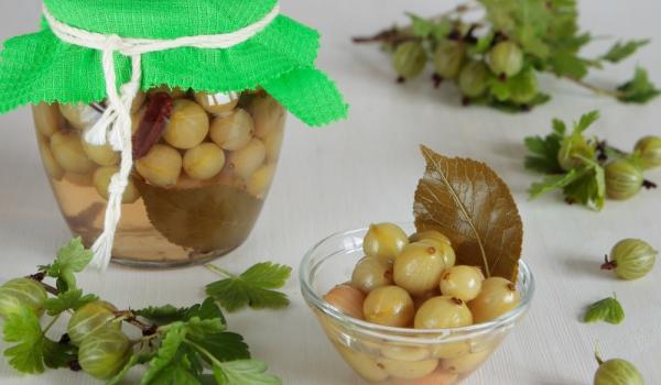 Компот от цариградско грозде